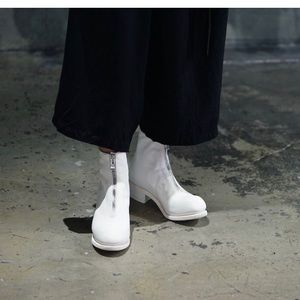 Guidi White PL1 Front Zipped Leather Ankle Boots